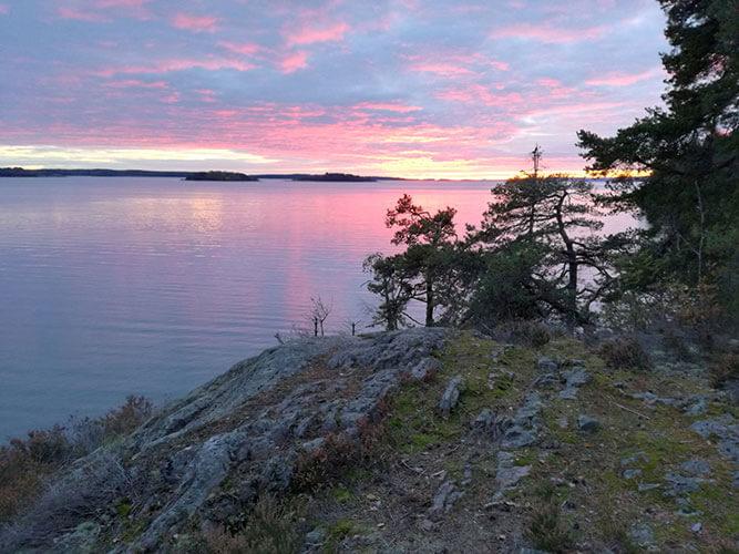 Sonnenuntergang am Meer am Fernwanderweg Sörmlandsleden