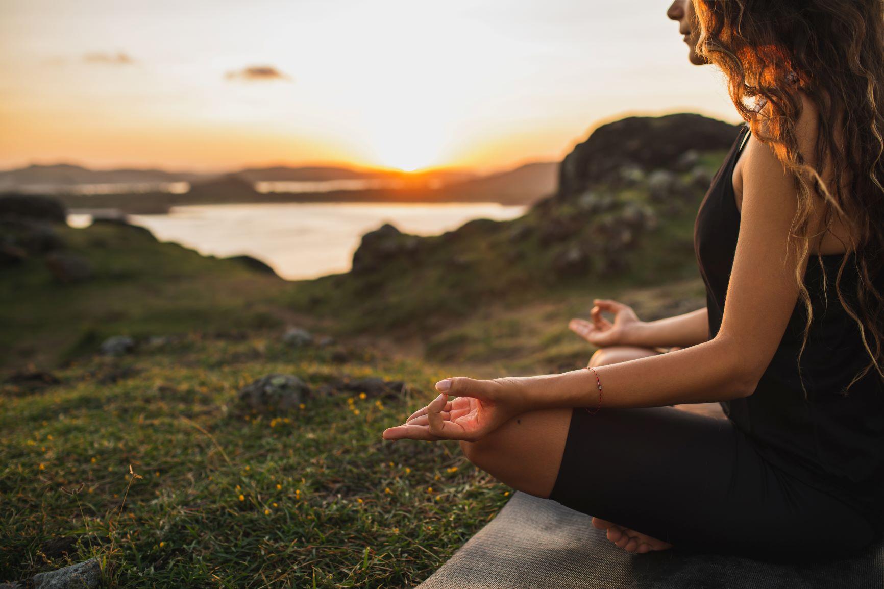 Yoga im Freien beim Teamevent