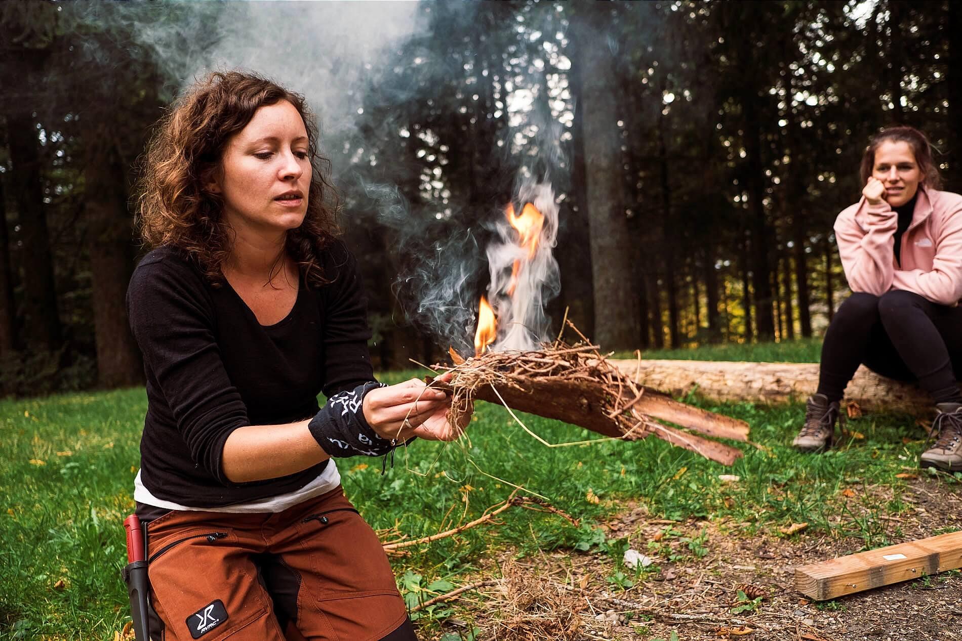Feuerkunde beim Teamevent im Schwarzwald