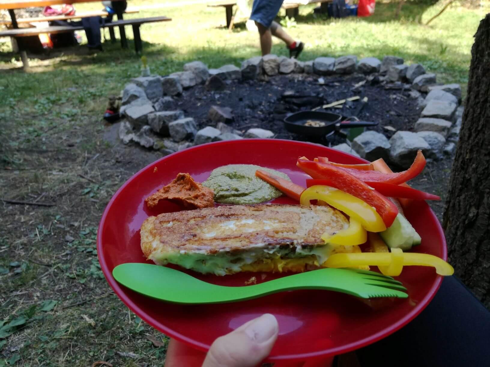 Lagerfeuerküche bei Familien Zeit im Wald